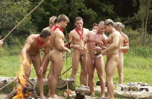 foto07-camping-nudist-men