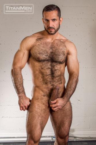 brks_shaymichaels_0807-hairy-muscle-men-3