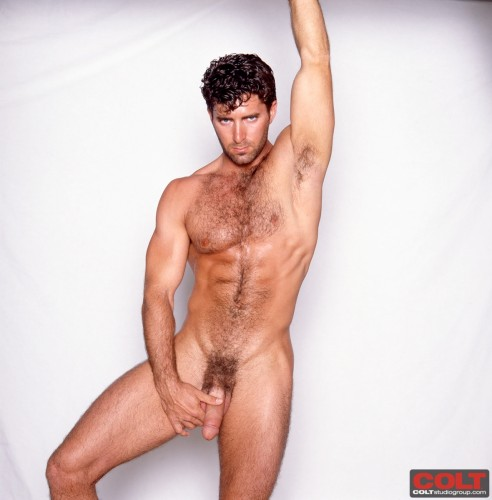 hairy-gay-bear-naked