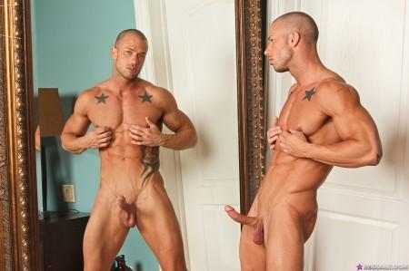 naked-male-pornstar